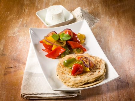 tortillas: tortillas with capsicum