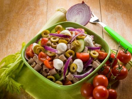 integral: cold pasta salad with mozzarella