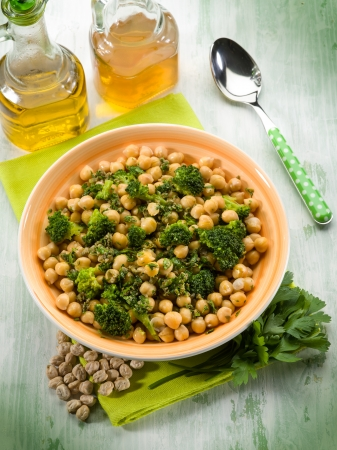 chickpea: salad with broccoli anche chickpeas Stock Photo