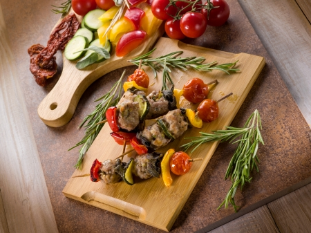 cutting vegetables: skewer with meat balls and vegetables