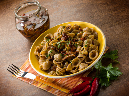 integral: integral orecchiette with dried tomatoes