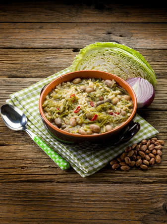 borlotti beans: soup with rice savoy cabbage and beans