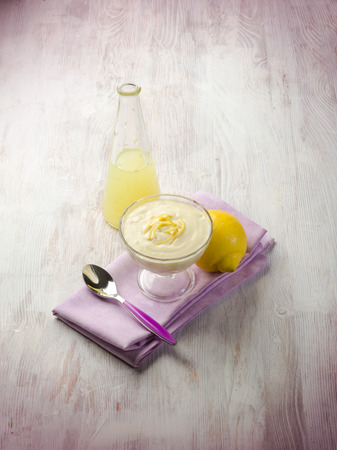 mousse: lemon mousse
