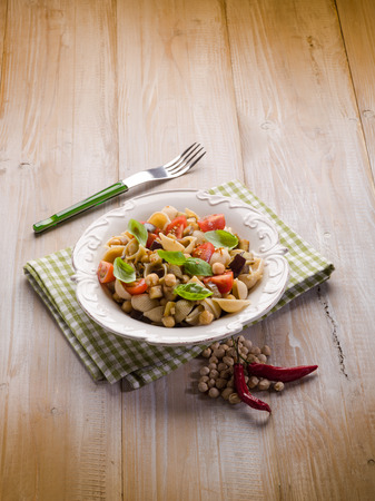chickpea: cold pasta salad with aubergine chickpeas and fresh tomatoes