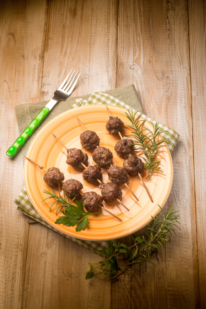 cooked pepper ball: meatballs skewers with herbs