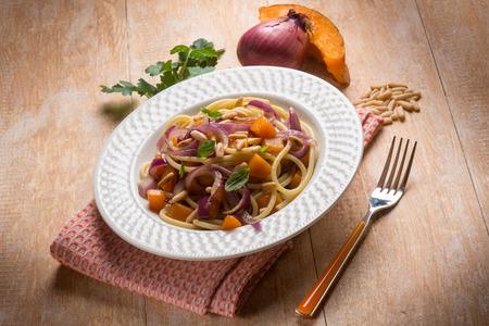 onion: spaghetti with pumpkin onion and parsley