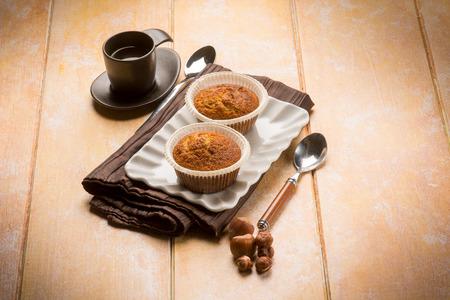 magdalenas: muffin de avellana con café