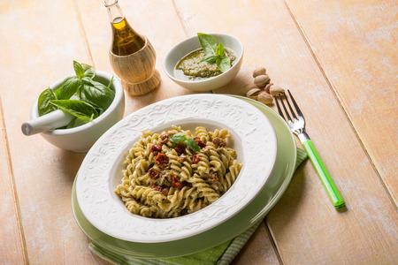 pasta: pasta con pesto de pistacho y tomate seco