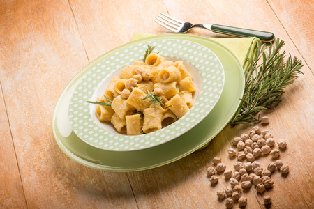 pasta sauce: paste with chickpeas and rosemary
