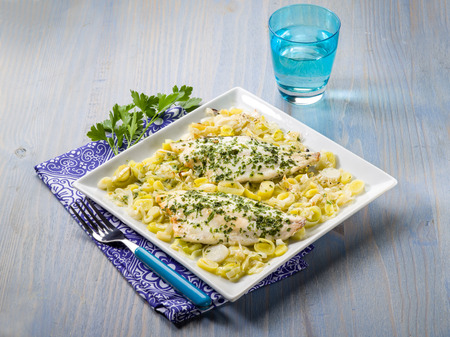 gilthead: fish fillet with leek salad