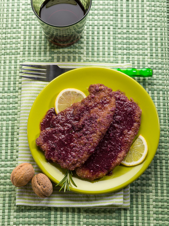 red cooked: escalope cooked with red wine