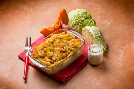 savoy: oven pasta with pumpkins and savoy cabbage
