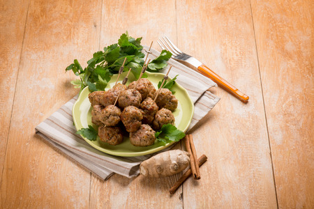 ginger: meatballs with cinnamon and ginger