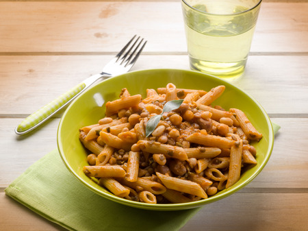 integral: integral pasta with mixed legumes