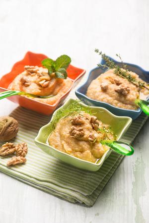 hummus: hummus traditional arabian appetizer