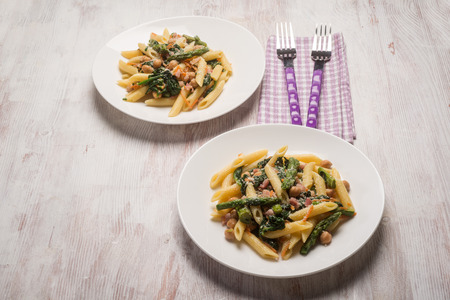 chickpea: pasta with chickpeas asparagus and spinach