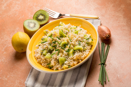 chive: rice with kiwi and chive