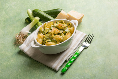 leek: oven pasta with leek zucchinis and parmesan cheese