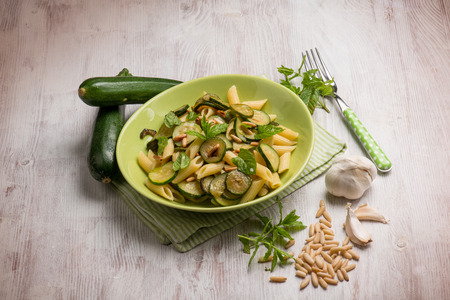pine nut: pasta with zucchinis pine nut and mint