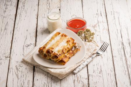 ragout: ragout cannelloni with oregano