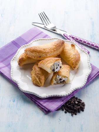 pasteleria francesa: french pastry filled with ricotta and chocolate drops