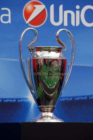 Palermo, Italia - ottobre 05, 2012 - Champions League Trophy Tour a Unicredit
