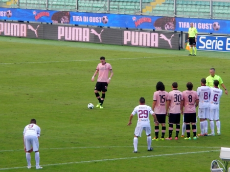 PALERMO, ITALIA - 9 novembre 2013 - US Città di Palermo vs Trapani Calcio - Serie Bkyl