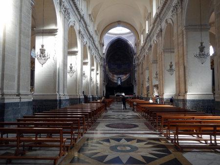 Una vista sull'altare maggiore della Cattedrale di Catania Editoriali