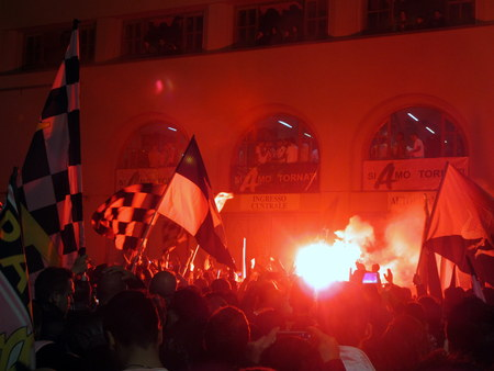 PALERMO, ITALIA - 3 maggio 2014 - US Città di Palermo festeggiare la promozione in Serie A