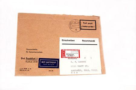 우표와 함께 오래 된 봉투