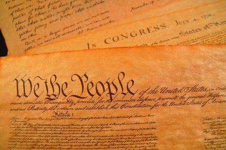 constitucion: Pre�mbulo de la Carta de Derechos y la Declaraci�n de independencia en el fondo