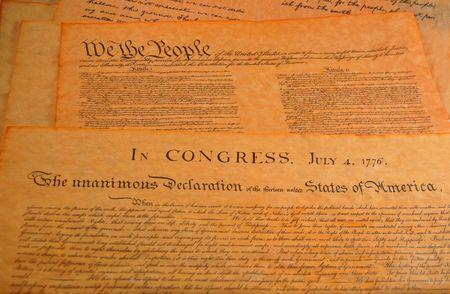 constitucion: Declaraci�n de independencia y el pre�mbulo de la Constituci�n en el fondo
