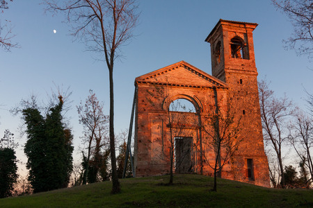 ruins of the church Settefonti Italy