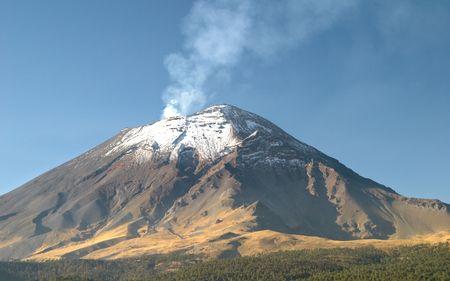 Active snowcapped Popocatepetl volcano (5.452 meters), Mexico Stock Photo