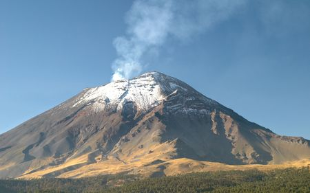 Active snowcapped Popocatepetl volcano (5.452 meters), Mexico Stock Photo