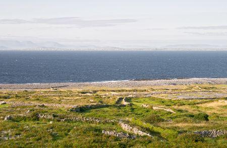 aran islands: Paisaje de las islas Aran, Irlanda Inis M?r  Foto de archivo