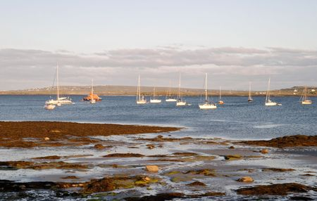 aran islands: Puesta de sol en la playa Inis Se�or, Islas Aran, Irlanda Foto de archivo