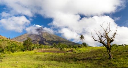 mayon: Approaching Mt  Mayon