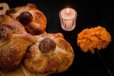 Pan de Muerto Mexico, pan dulce mexicano durante las festividades del Día de Muertos Foto de archivo