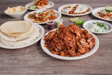Tacos al Pastor und Fleisch, mexikanisches Essen in Taqueria Mexiko-Stadt