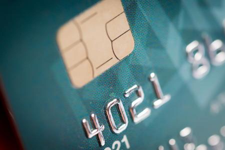 緑のクレジット カードのクローズ アップ
