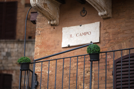 streetsign: The streetsign of Piazza Del Campo in Siena, Tuscany
