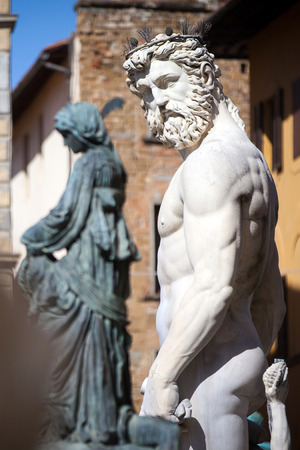 neptuno: La fuente de Neptuno en Florencia, Italia