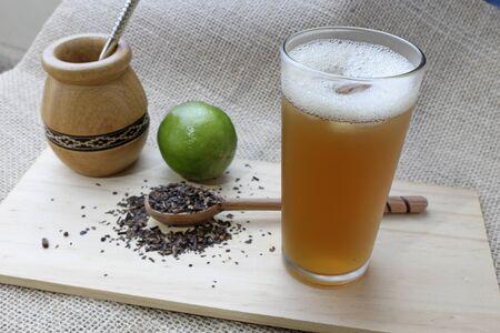 Matte ice tea with lemon Foto de archivo