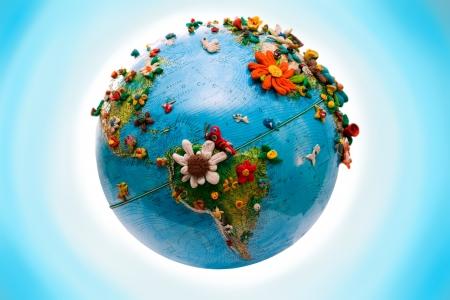 mapa del peru: Globo de Am�rica del Sur, con las flores, en plastilina