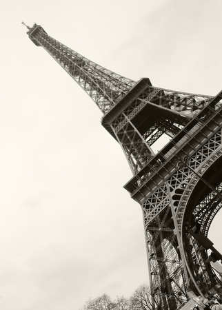 Tour Eiffel in a black and white shot
