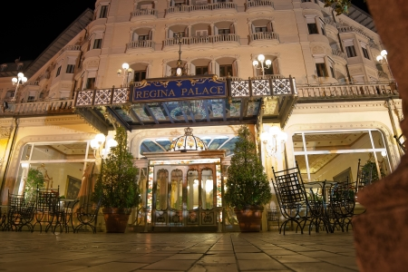 regina: night view of the Hotel Regina Palace, in Stresa, Italy