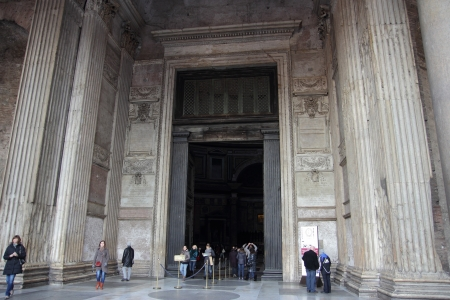 ROME - DEC 5 visitors at the entrance of the Pantheon  in Rome, Italy on december 5, 2012 in Rome