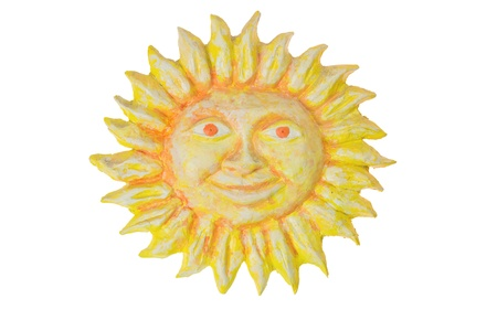 papier mache: concepto de verano, sol de la historieta aislado en blanco con trazado de recorte