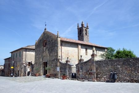 romanesque: Romanesque church in Monteriggioni, Tuscany, Italy